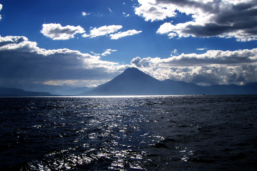 la tranquilidad del volcan von litxa
