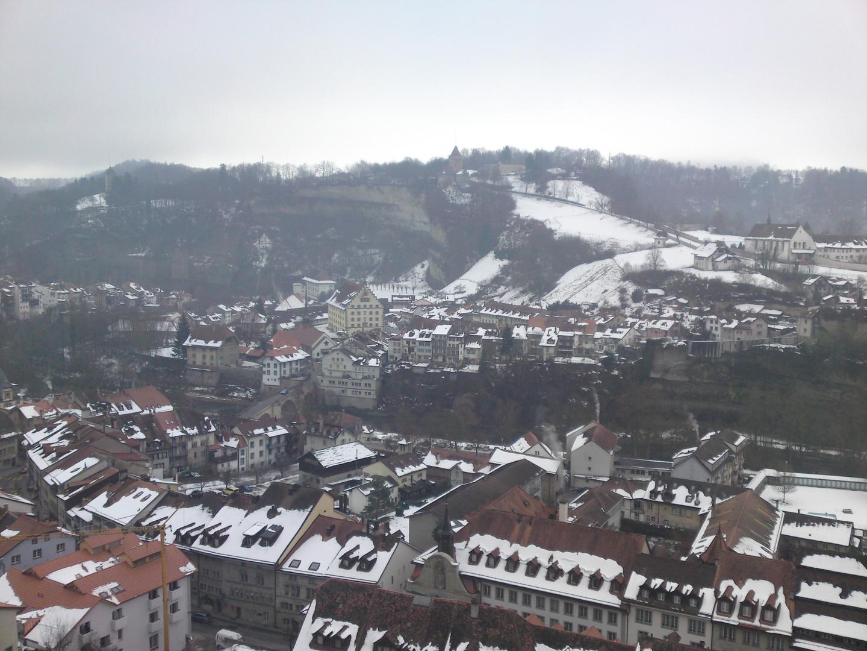 La Vieille-Ville de Fribourg depuis le pont des alpes