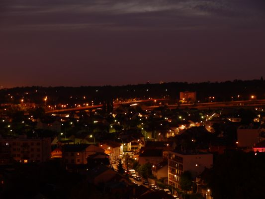 la ville in the night