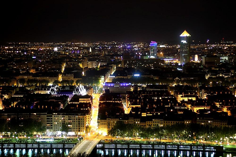 foto de La ville Lumière photo et image europe france rhône alpes Images fotocommunity