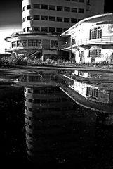 L'abbandono e il suo riflesso - II
