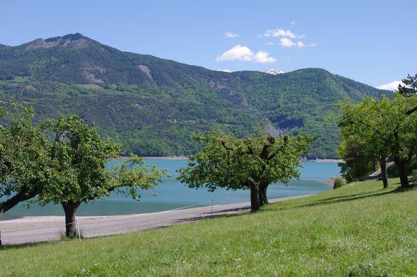 Lac de serre-ponçon (Hautes-alpes 05)