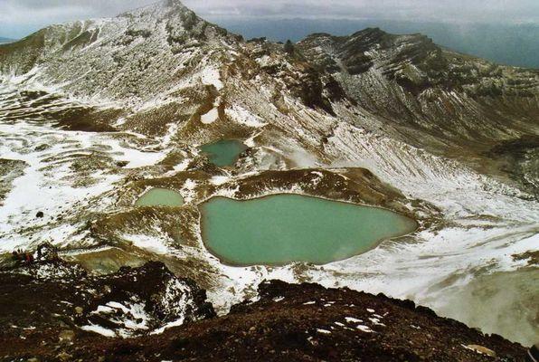 lac d'emeraude au tongario ( nouvelle zelande )