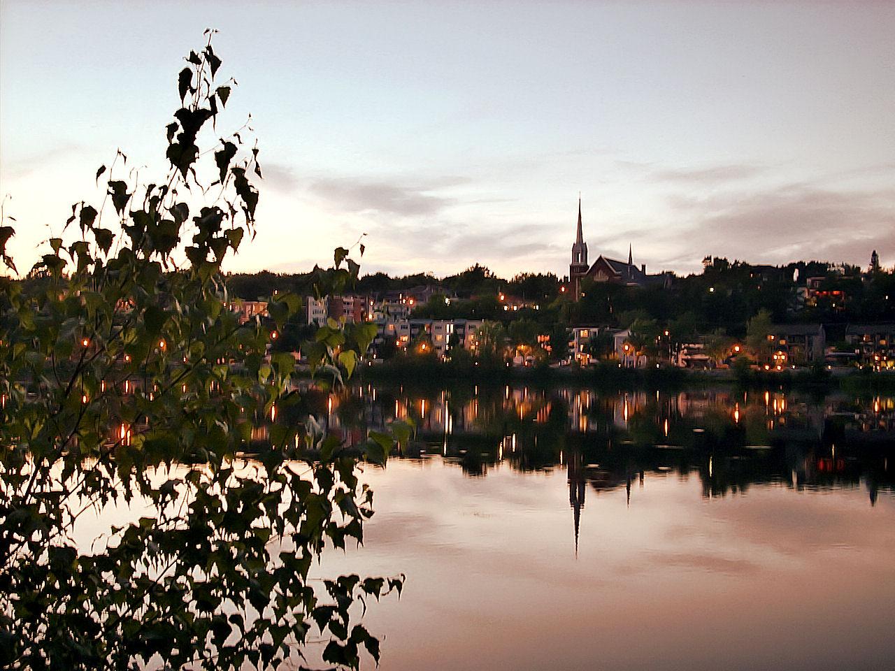 Lac des nations au coucher du soleil ...