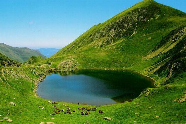lac des PYRENEES
