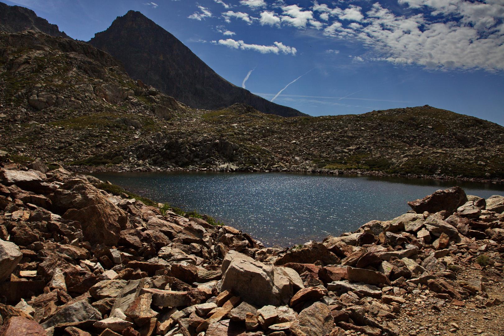 lac des terres rouge mercantour 2452 metre