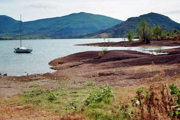 Lac du Salagou dans L'Herault