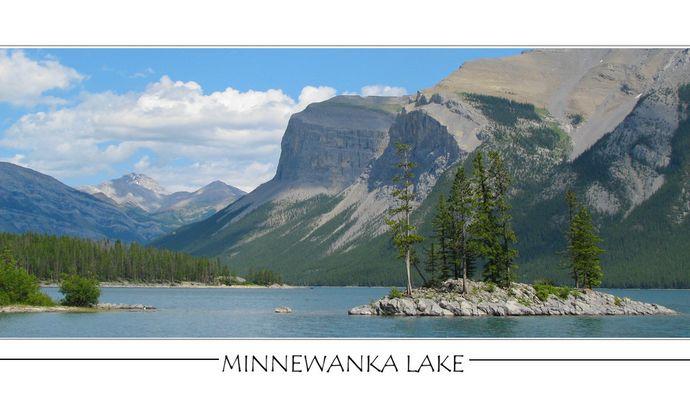 Lac Minnewanka- A coté de Banff