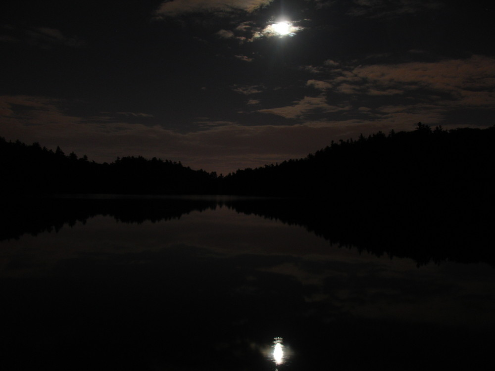 Lac Pink Parc de la gatineau nuit