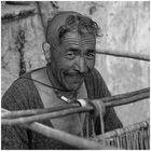 Ladakhi aus Dha am Webstuhl