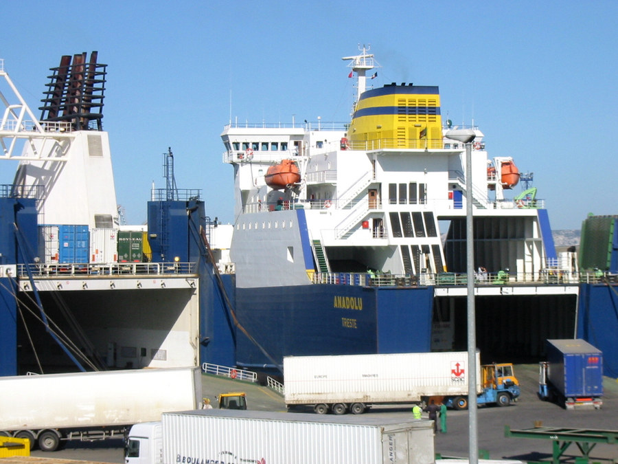 Ladezeit im Hafen