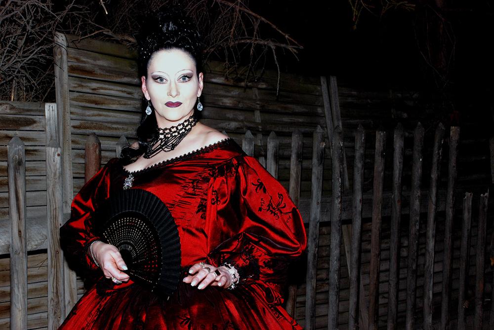 Lady Hexana - Outdoor-Nacht-Portrait