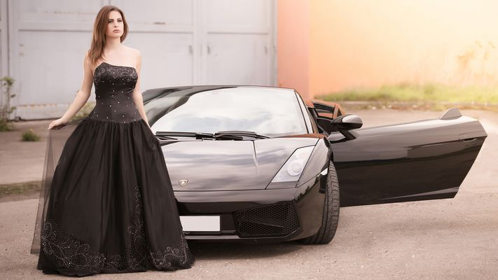 Lady in Black mit Stier