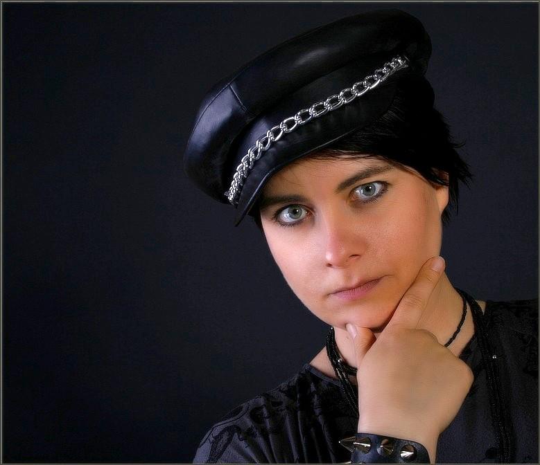 Lady in Black   *reloaded*