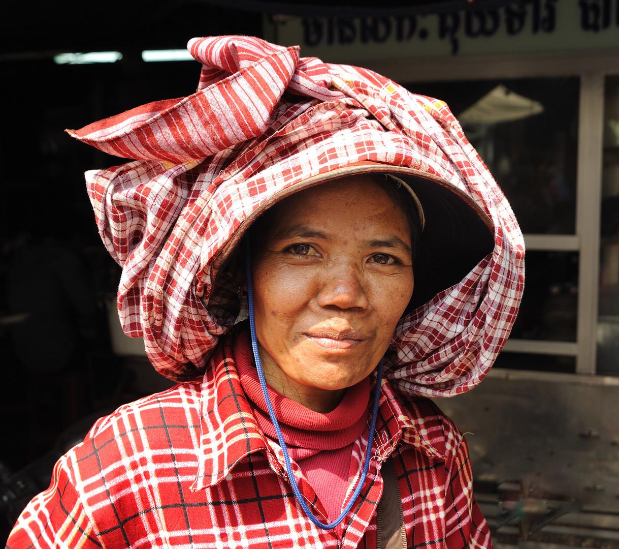 Lady in Kandal Market 01