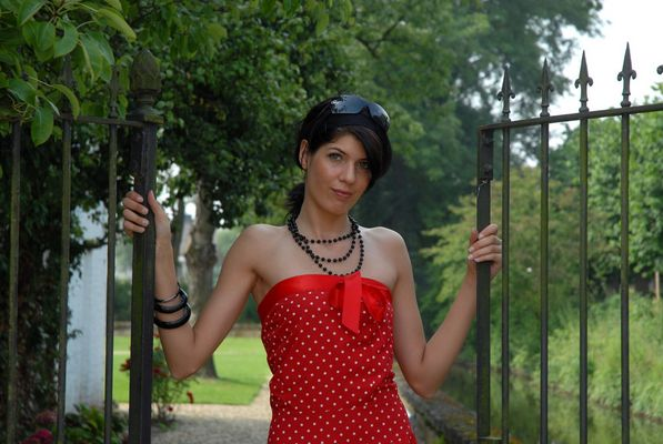 Lady in red -Model Sabrina