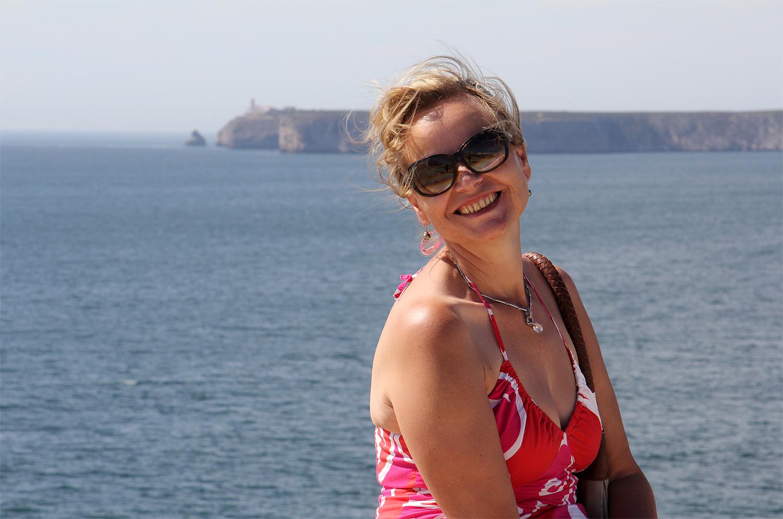 """""""Lady in Red vor dem Cabo de Vicente"""""""