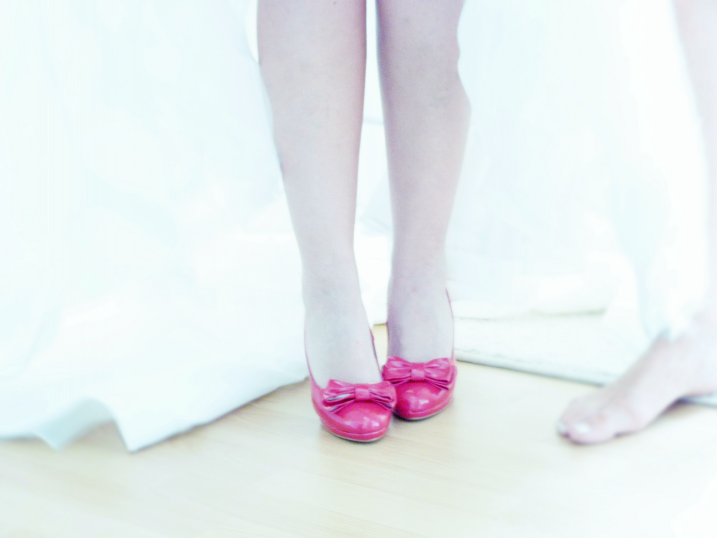 Lady with red shoes