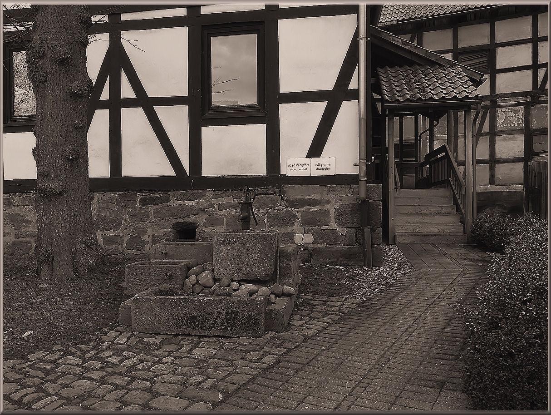 Ländlicher Hinterhof 9