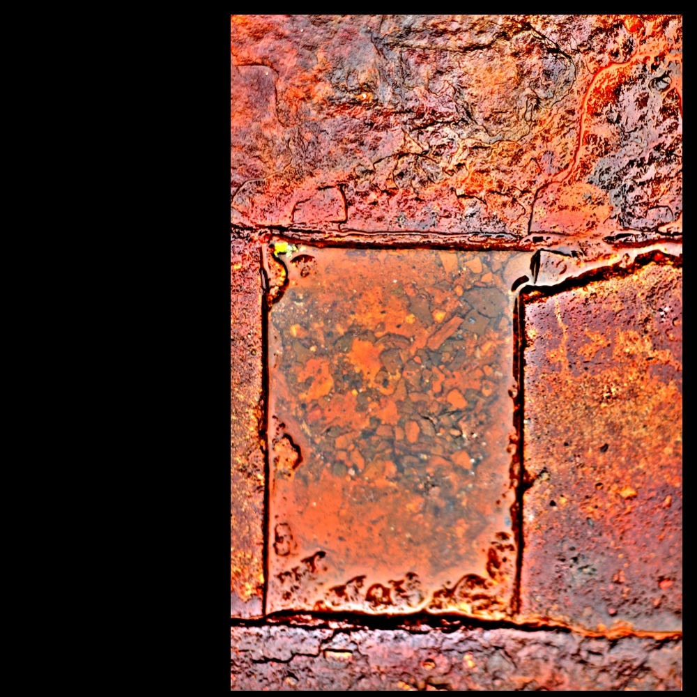 längliches Quadrat in rost´gem Kontext