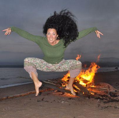 Lagerfeuer mit Hexe