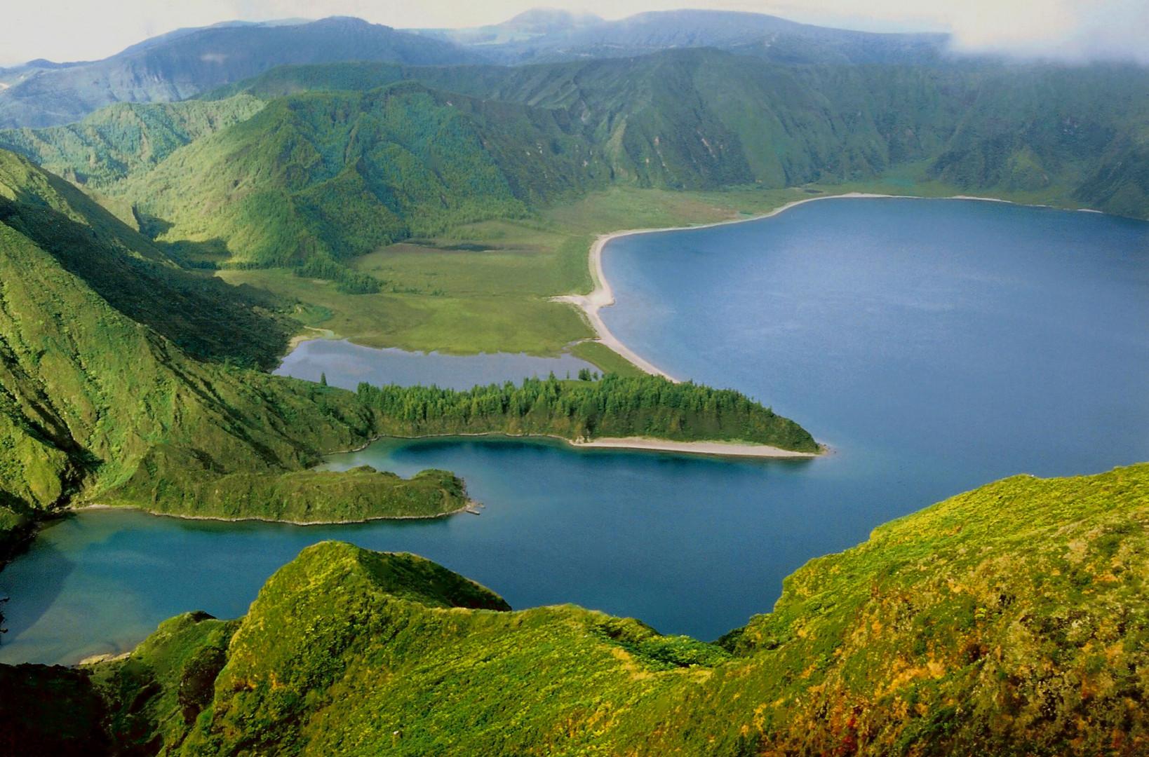 Lago en Crater