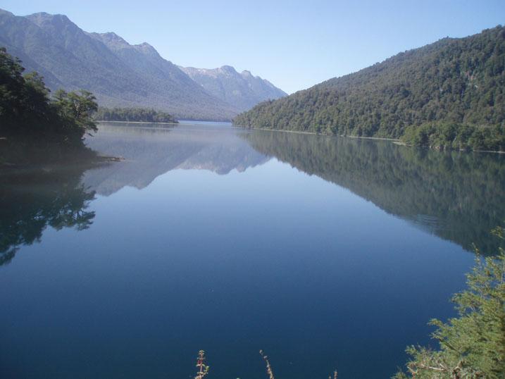 Lago Espejo _ Río Negro - Argentina