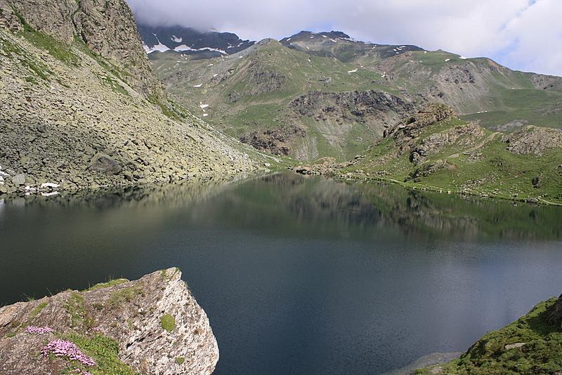 Lago Fiorenza sotto il Monviso al Pian del Re ( Cn )
