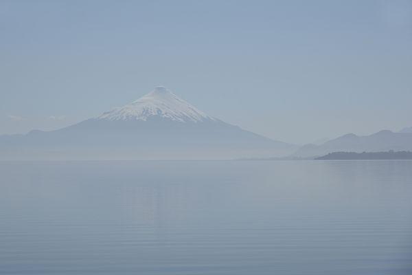 Lago Llanquihue and Mount Osorno 01