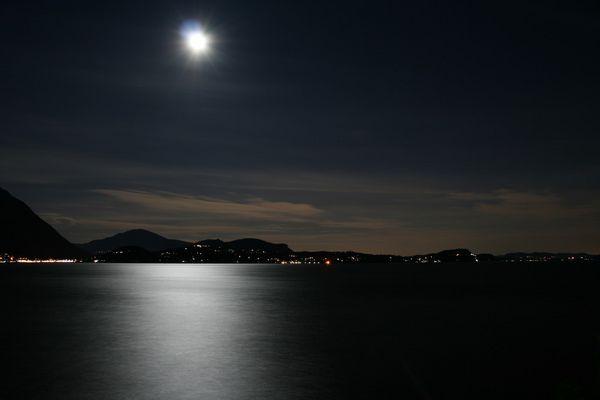 Lago Maggiore bei Vollmond