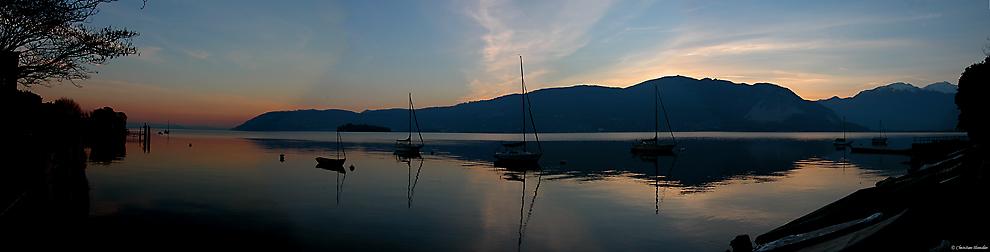 Lago Maggiore in der Abenddämmerung