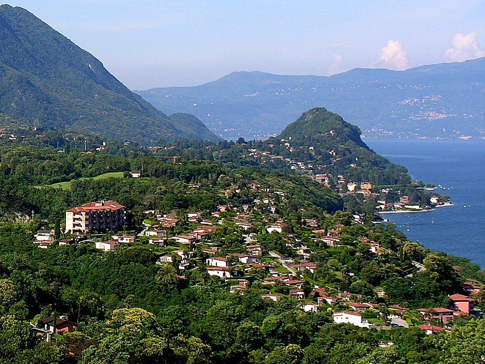 Lago Maggiore (östlische Küste, bei Luino, Brezzo di Bedero)
