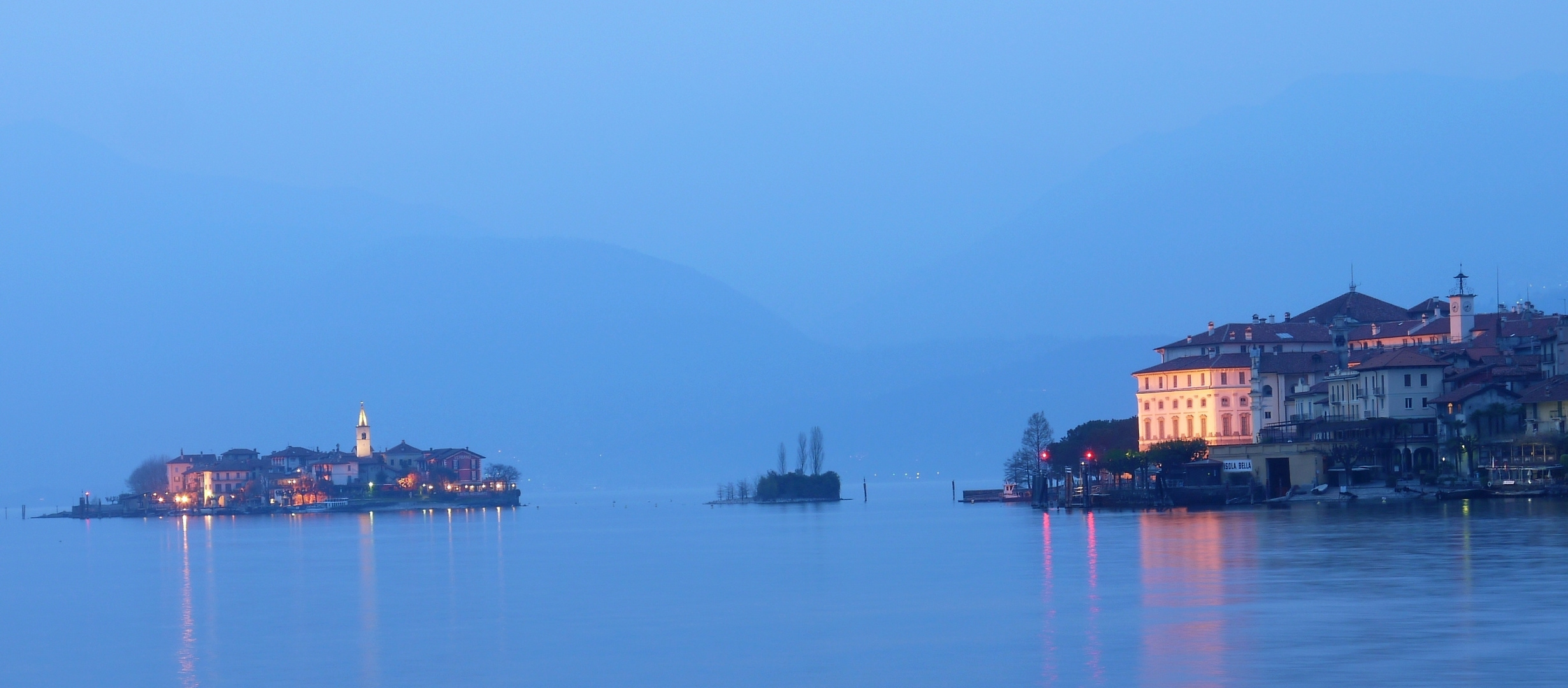 Lago Maggiore zur Blauen Stunde (Stresa)