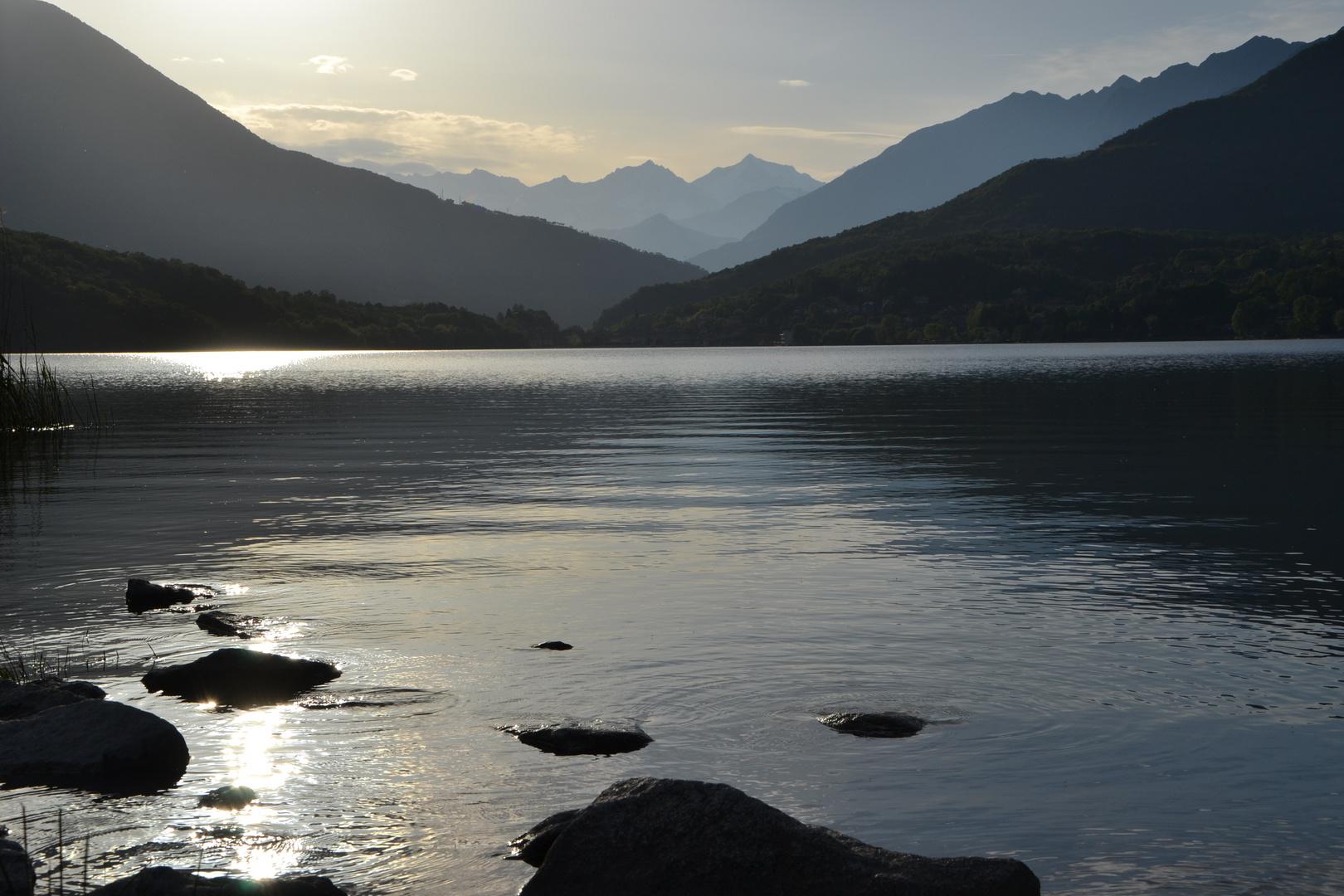 Lago Mergozzo im Sonnenuntergang