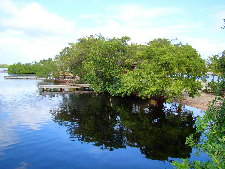 Laguna Beach Resort. Utila Honduras