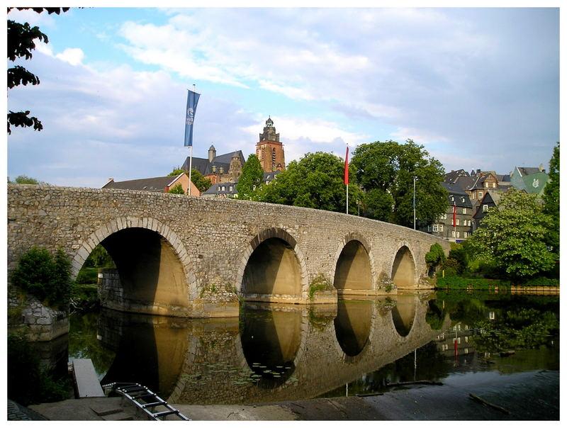 Lahnbrücke mit Dom