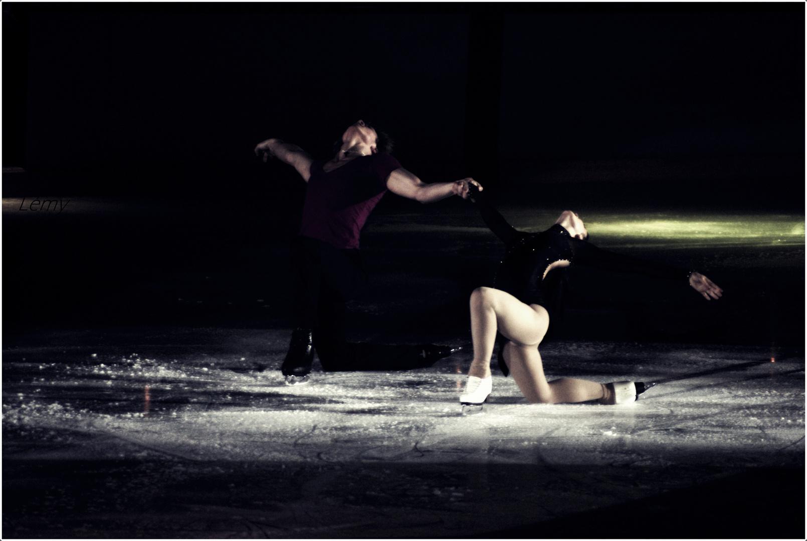Laissons nous glisser sur le sol glacé.
