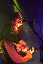 Lajescha O'Dubler an der Gitarre