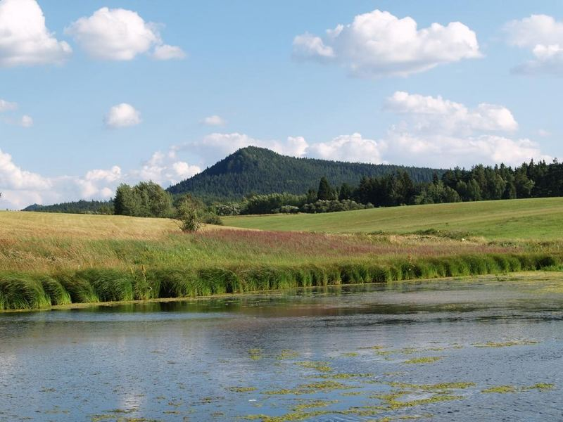 lake and hill (Broumovské steny)