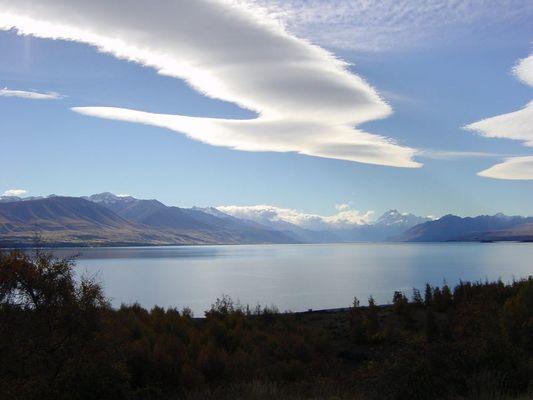 Lake Pukake mit Blick auf Mt. Cook