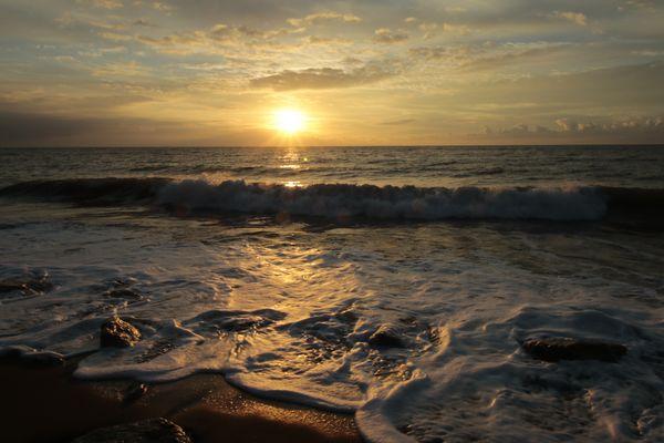 L'alba dai colori caldi
