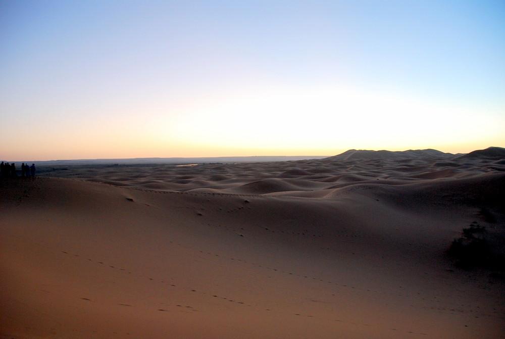 L'alba nel deserto