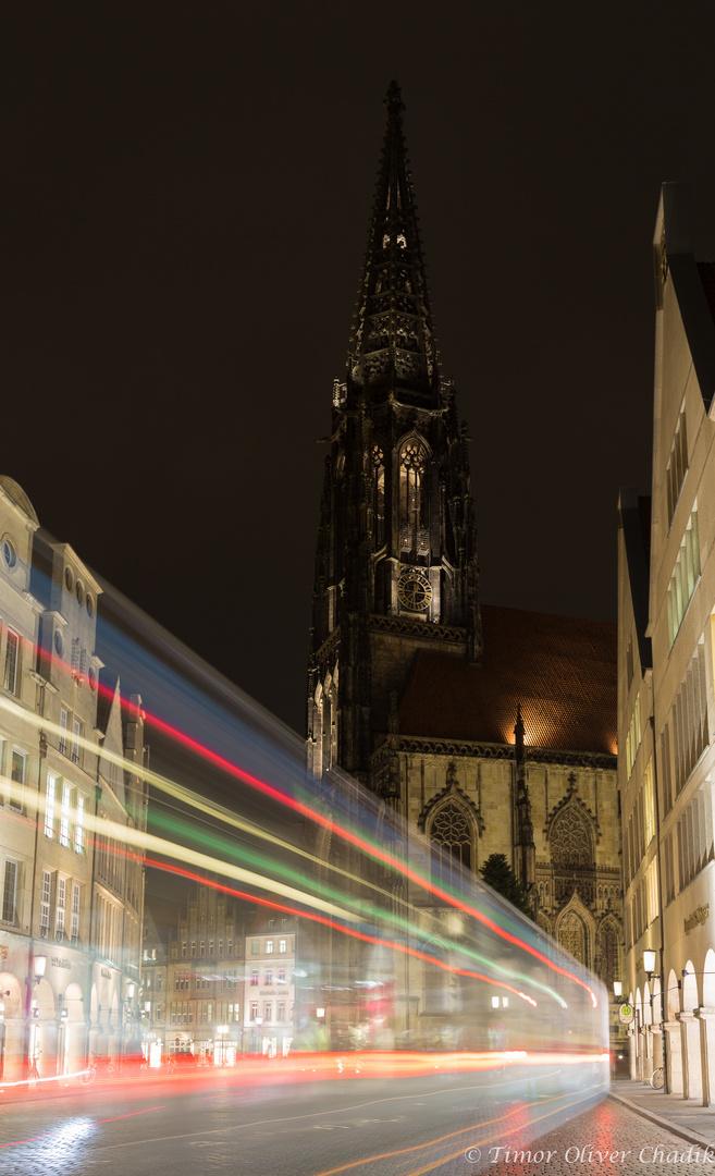 Lambertikirche in Münster bei Nacht
