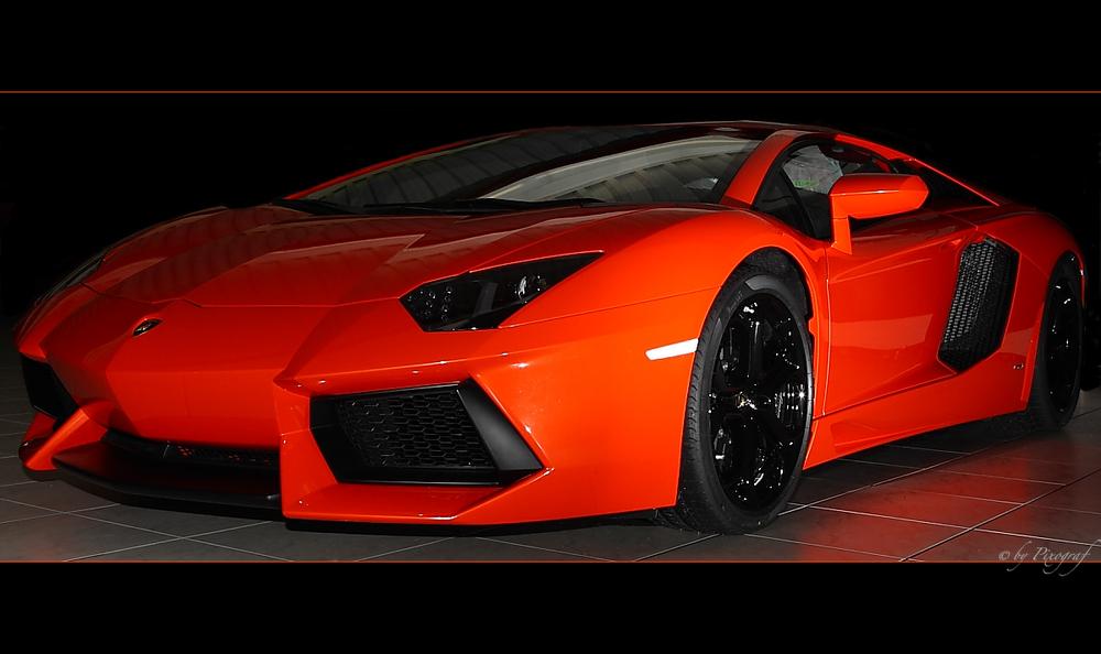 ..... Lamborghini Aventador LP 700-4 ..... die 2. ......