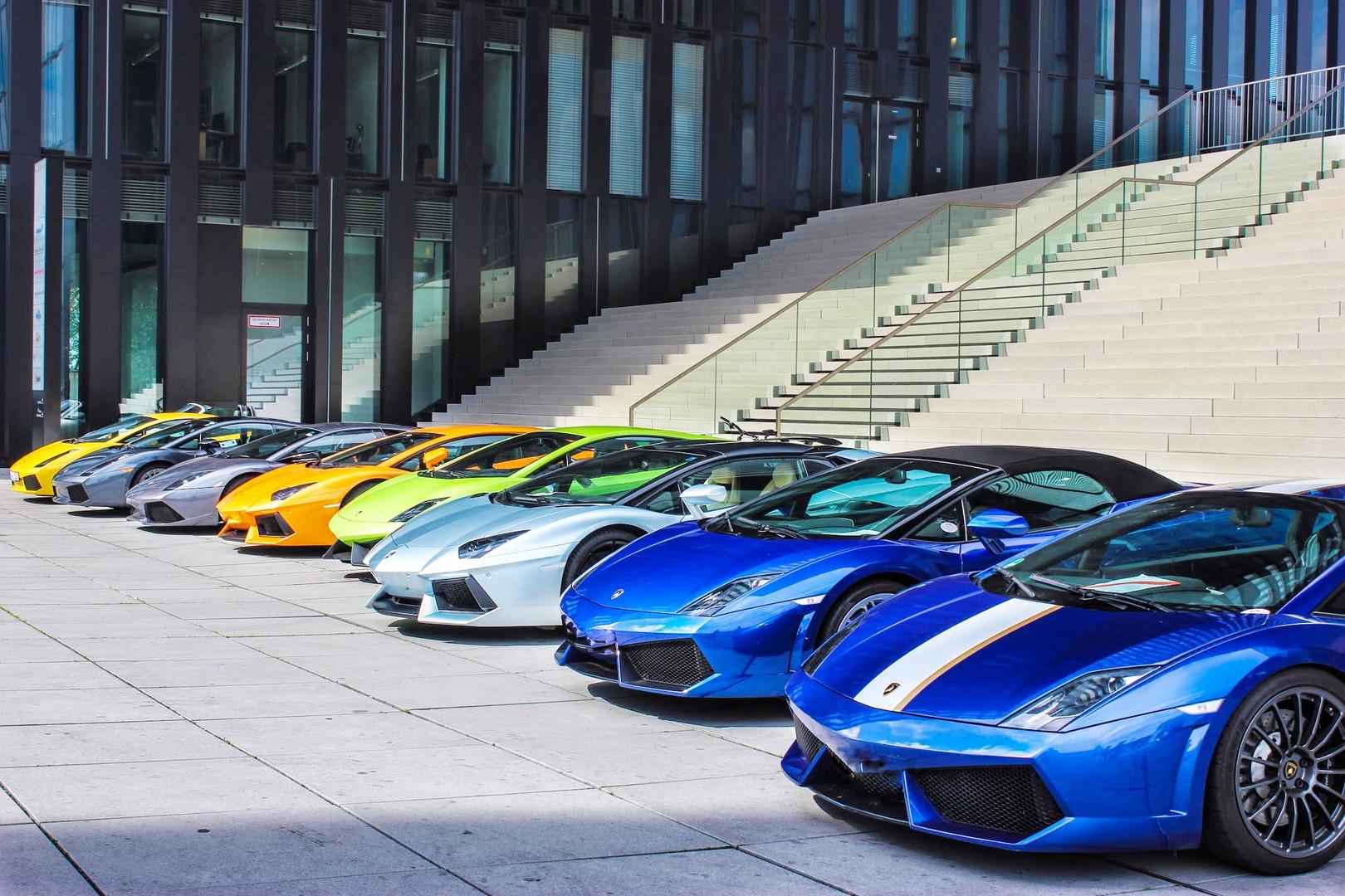 Lamborghini Medienhafen Düsseldorf - Eine Riesenauswahl !