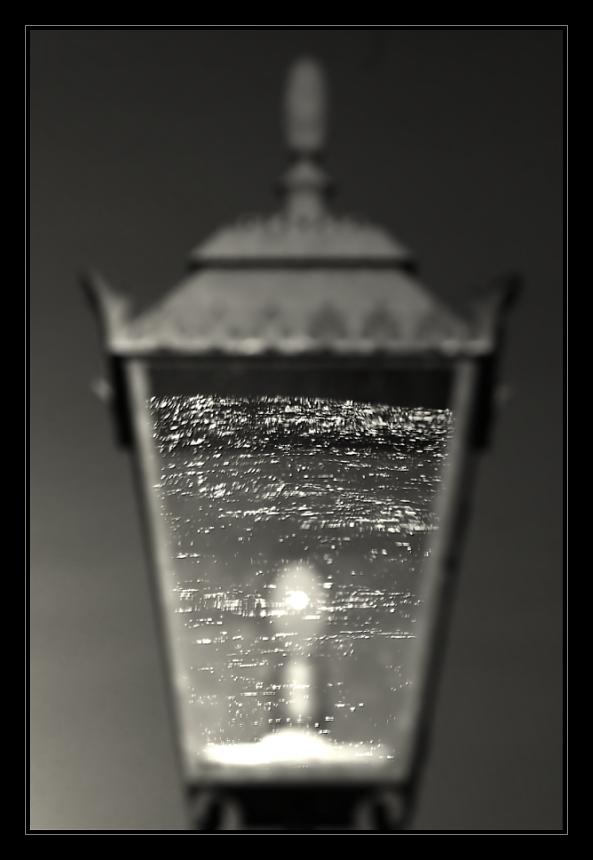 Lampe mit Wasser