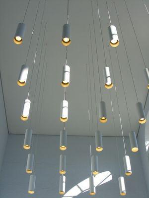 Lampen tropfen von der Decke