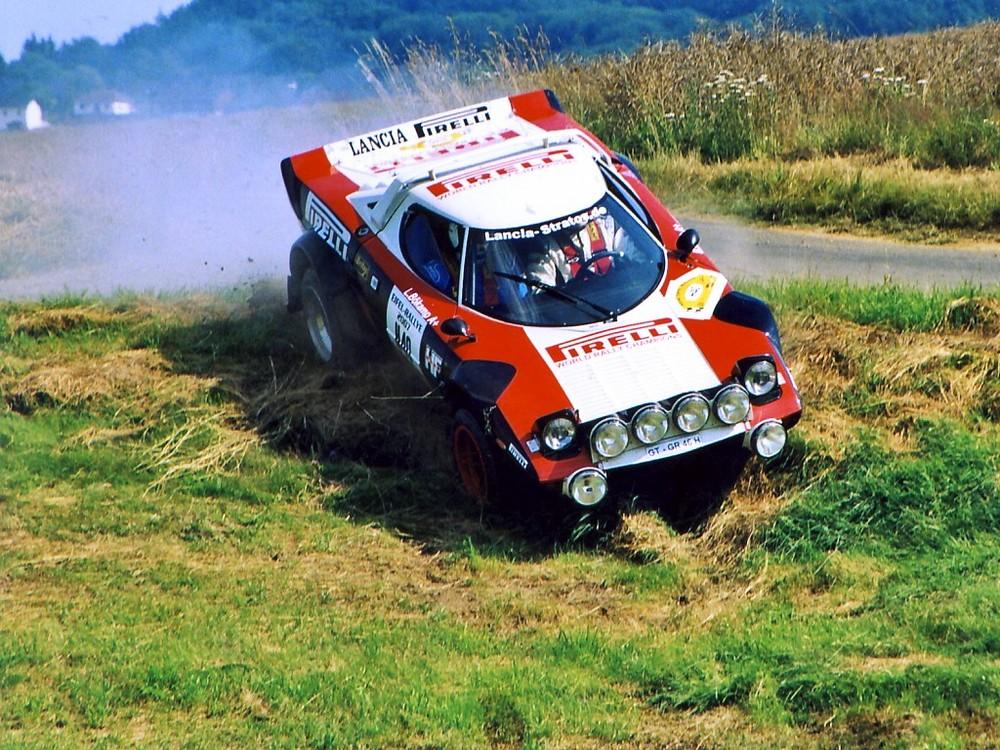 LANCIA-STRATOS - Kleiner Umweg über die Wiese - Eifel-Rallye 2007