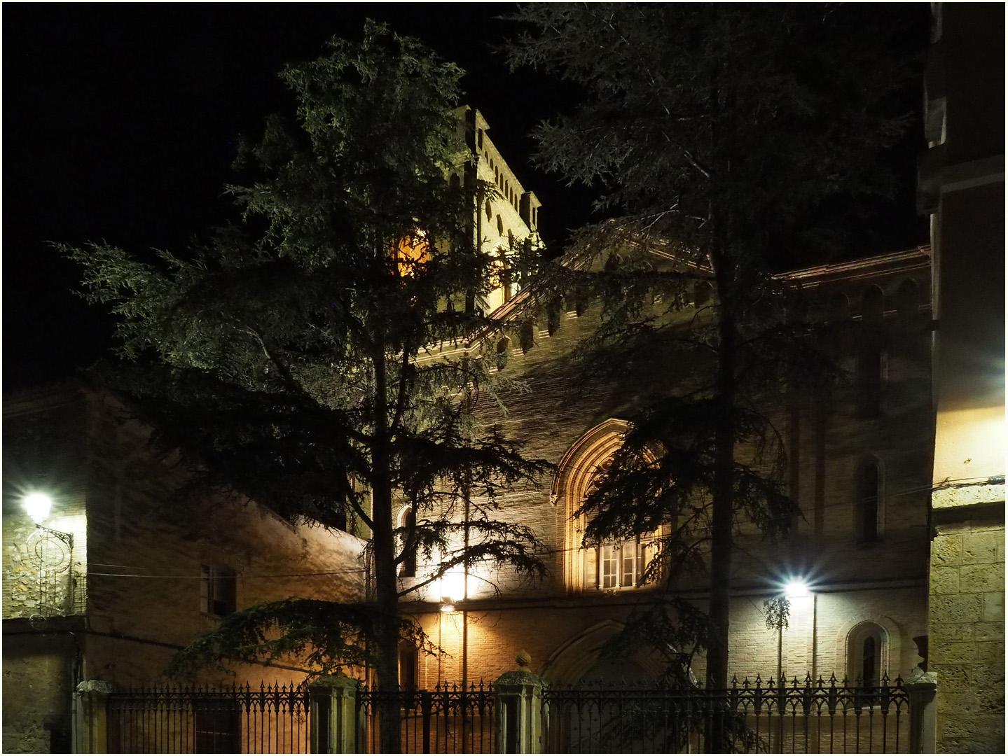 L'ancienne Chapelle de l'Hôtel Spa Martin el Humano, la nuit