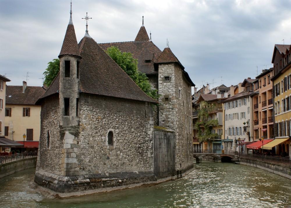 L'ancienne prison .... Vieille ville d'Annecy